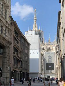 大聖堂東側